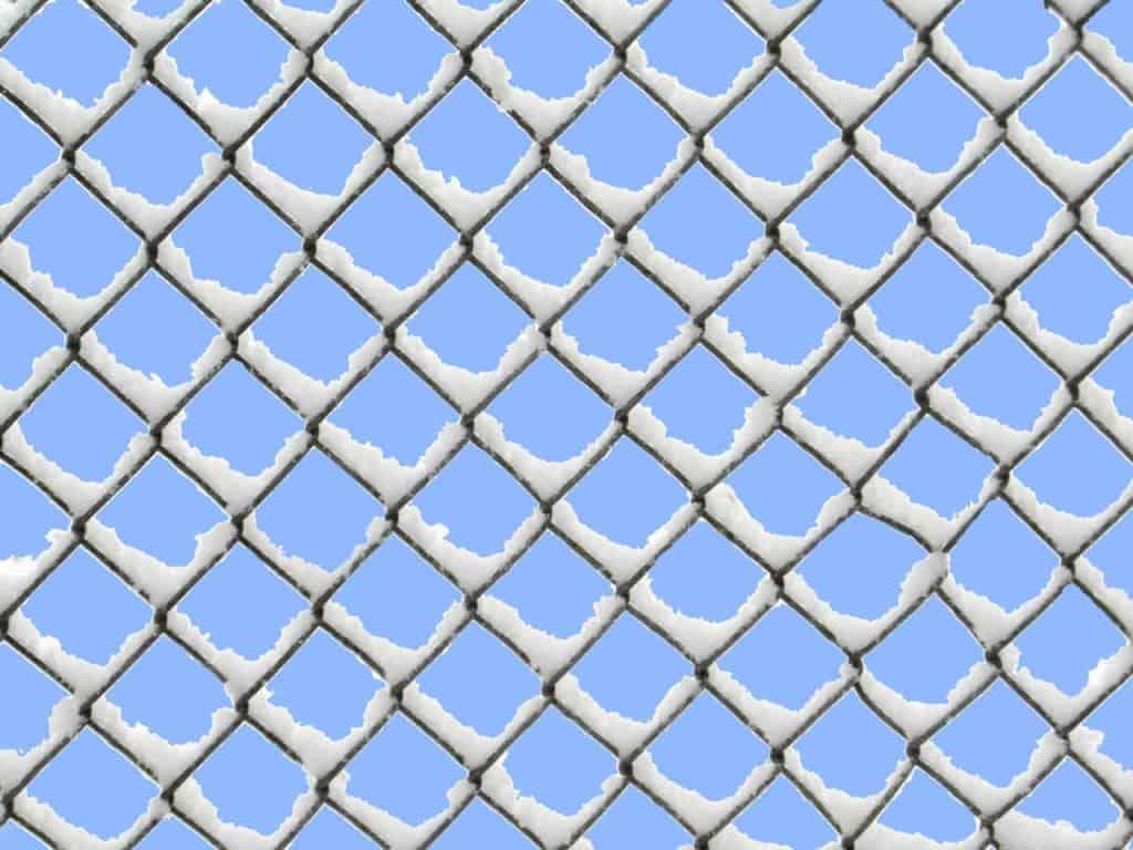 Gitterzaun als Symbol für den Widerstand, an dem der DAX im November 2020 gescheitert ist